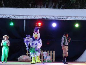 """Las familias de Quintanar de la Orden disfrutaron del espectáculo infantil """"El Musical de la Granja con Bartolito"""""""