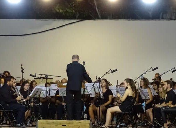 Magistral concierto de la Banda Sinfónica Municipal y el multiinstrumentista Abraham Cupeiro para cerrar el Festival de Musica