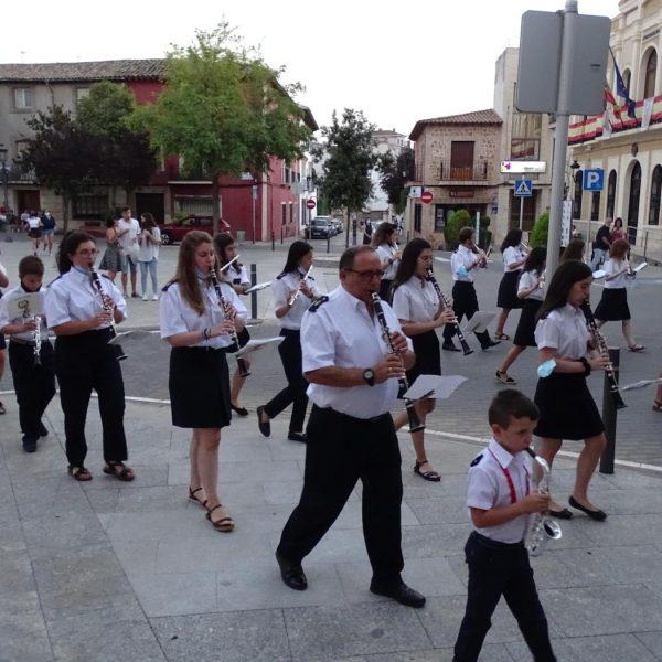Quintanar inaugura sus fiestas patronales con un pasacalles de la Banda Sinfónica Municipal